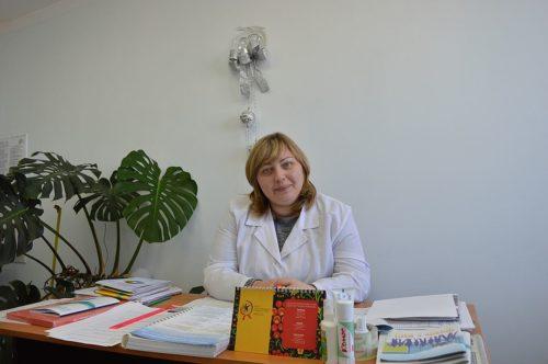 Психолог Юлия Деревенчук объясняет больным нужна поддержка, а не осуждение Фото: Елена Безгодова