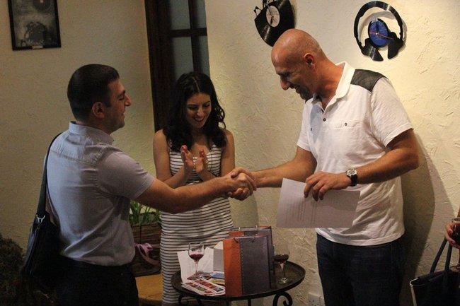 armenia-journalist-prize_3-jpg__650x433_q85_crop_upscale
