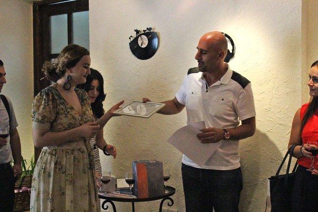 armenia-journalist-prize_7-jpg__650x433_q85_crop_upscale