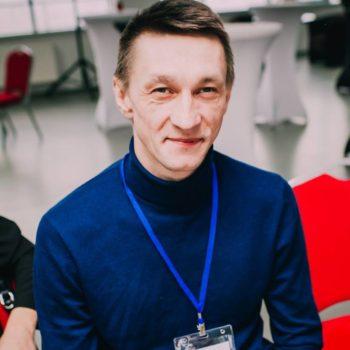 Илья Лапин